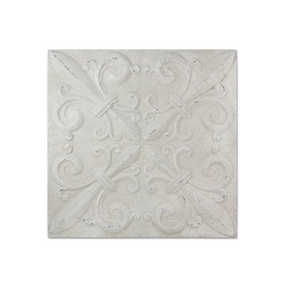 White wall decoration
