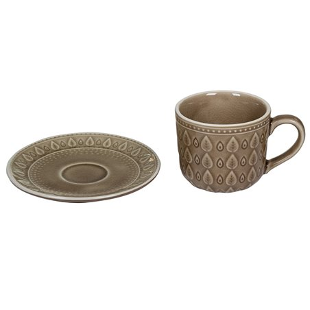 Taza de café con plato natural marrón