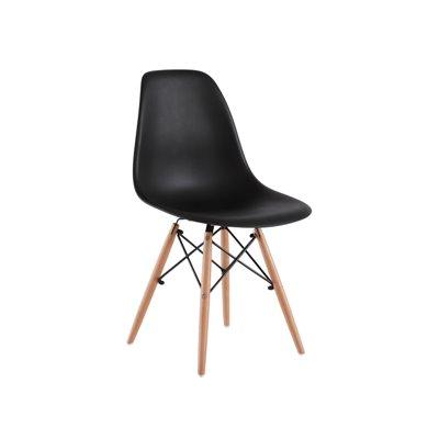 Schwarzer ABS-Stuhl und Buchenholz
