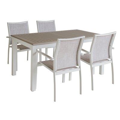 Mesa para exterior con 4 cadeiras