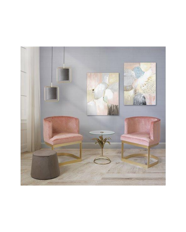 Conxunto de dúas cadeiras de brazos rosas con mesa